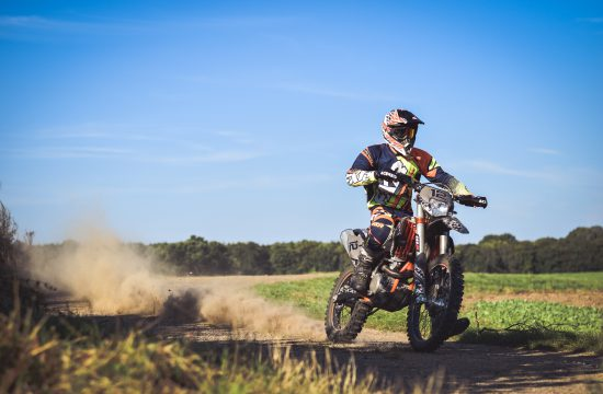 Comment bien coller son kit déco motocross ?