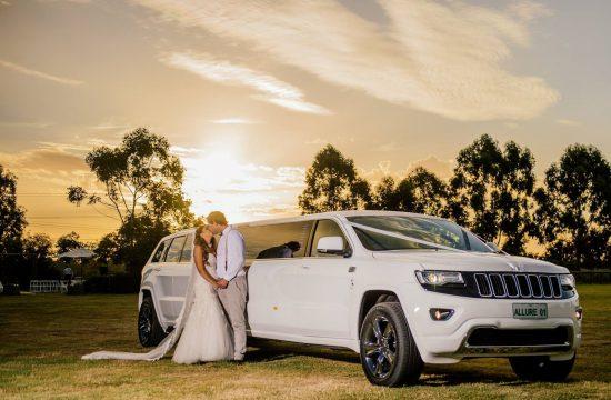 Pourquoi louer une limousine pour son mariage ?